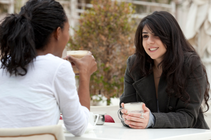 women_at_coffee_shop